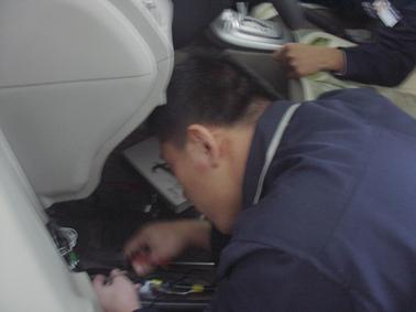 丰田卡罗拉防盗器安装